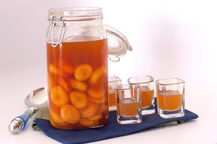 рецепт приготовления абрикосовой водки