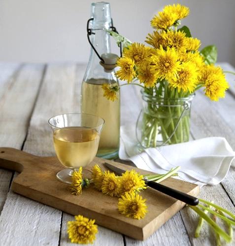 Одуванчиковый алкоголь: 3 рецепта в домашних условиях