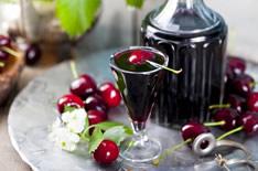 Вишневая наливка: 8 рецептов в домашних условиях