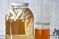 Хреновуха: 9 рецептов в домашних условиях