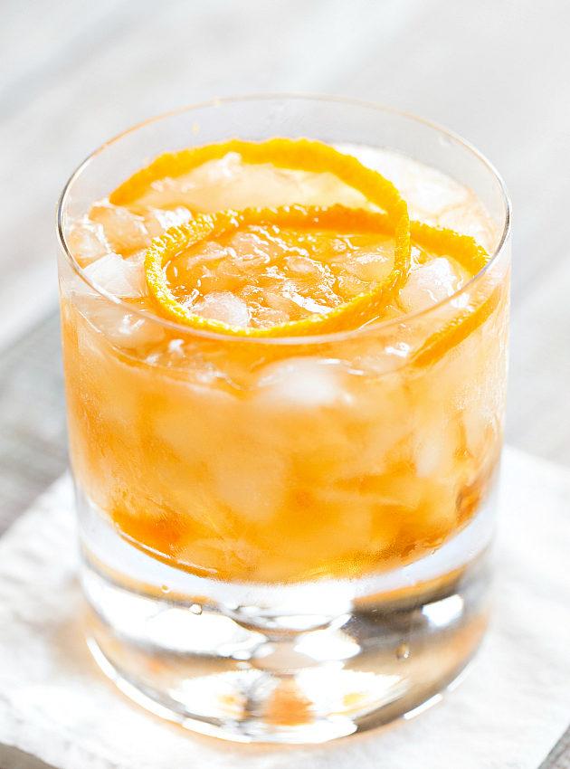 Ванильный старомодный фото коктейля