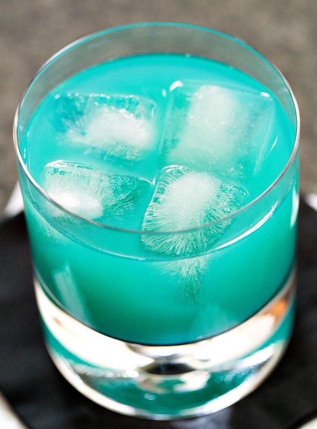 Голубая канарейка фото коктейля