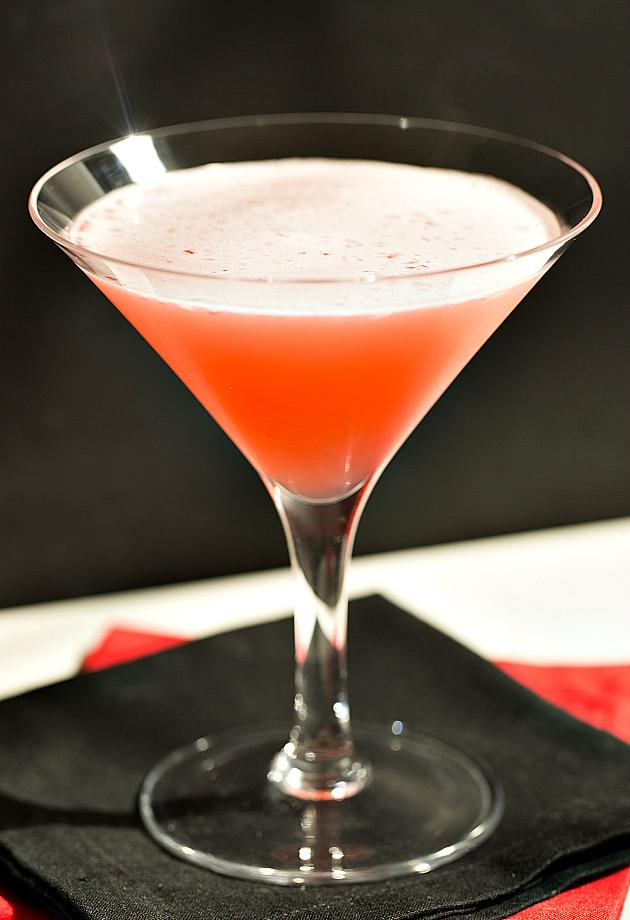 Красный рейдер фото коктейля