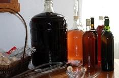5 разных рецептов домашнего вина, которые должен приготовить каждый