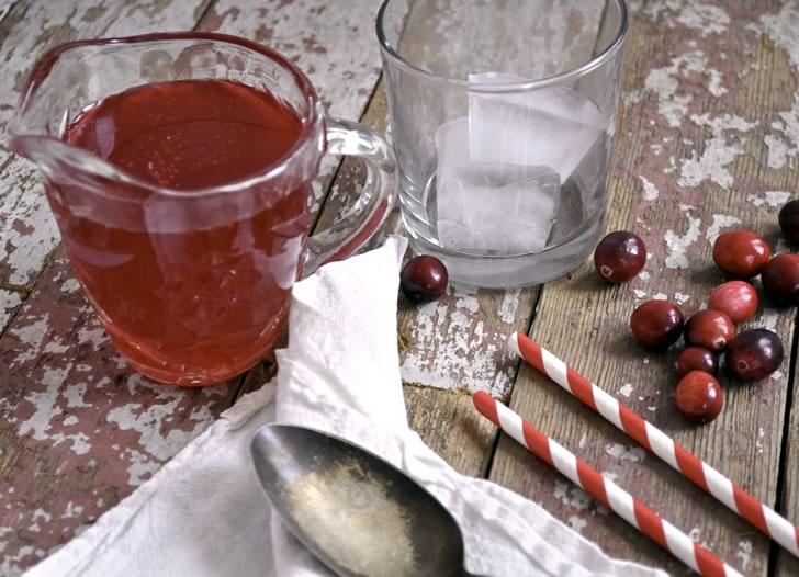 Клюквенный сироп: 2 рецепта в домашних условиях
