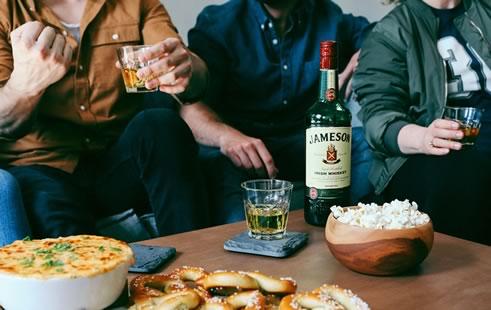 6 вариантов, чем закусывают виски