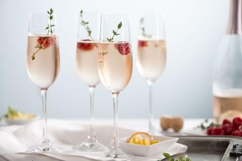 Коктейли с шампанским: 19 рецептов с фото