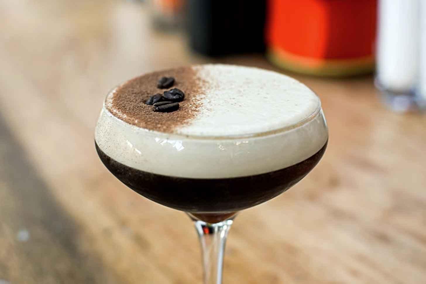 Коктейли с кофе: 16 рецептов с фото