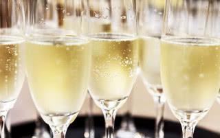 Шампанское Брют: что это, как делают и как пить