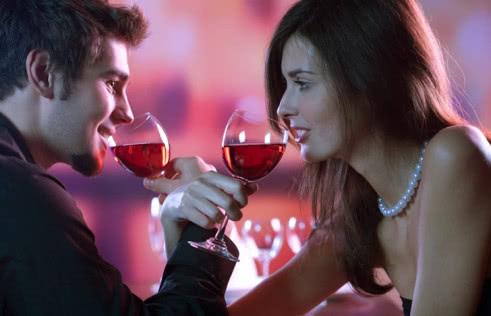 Пить на брудершафт: что это значит, откуда пошло и как пить