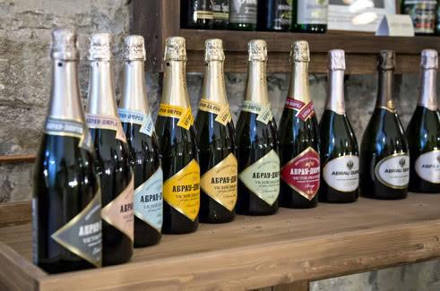 Шампанское Абрау Дюрсо: обзор вкуса и видов + как отличить подделку